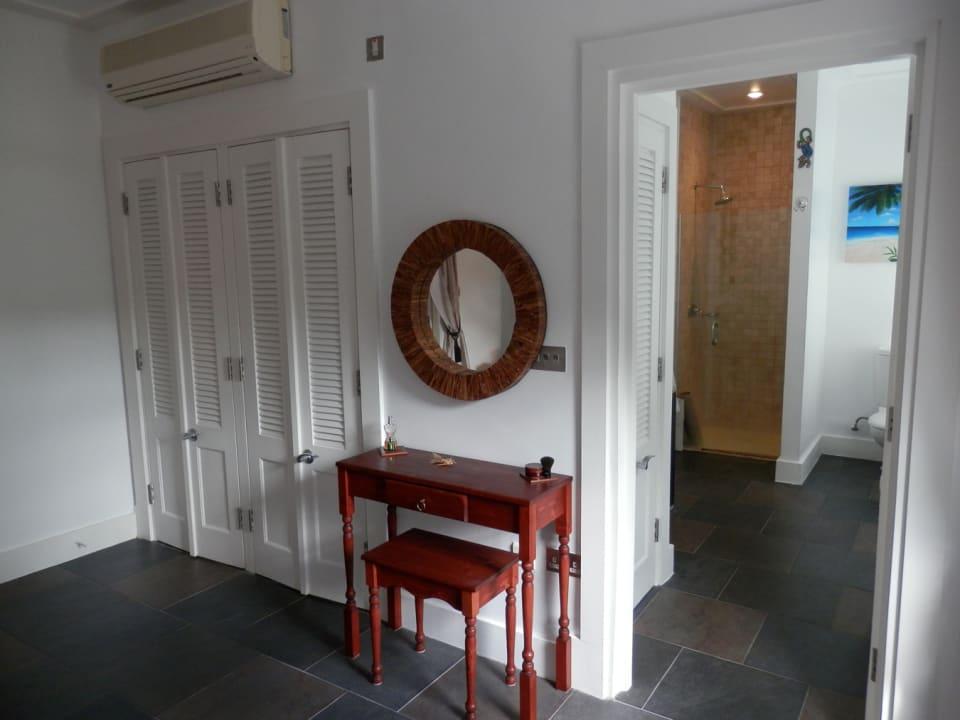 Wadrobe space & bathroom