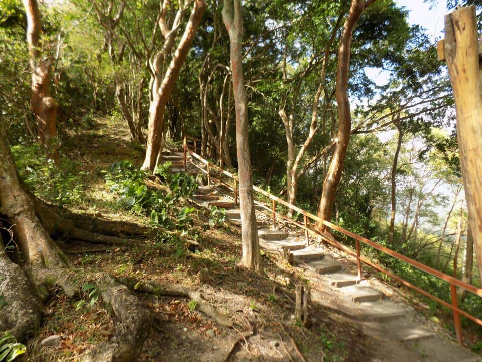 Ladera Nature Trail