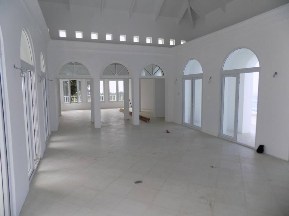 Spacious Living Area - with Arches