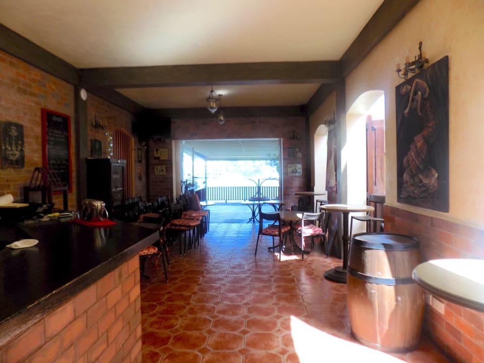 Restaurant - bar to the left; dining area ahead