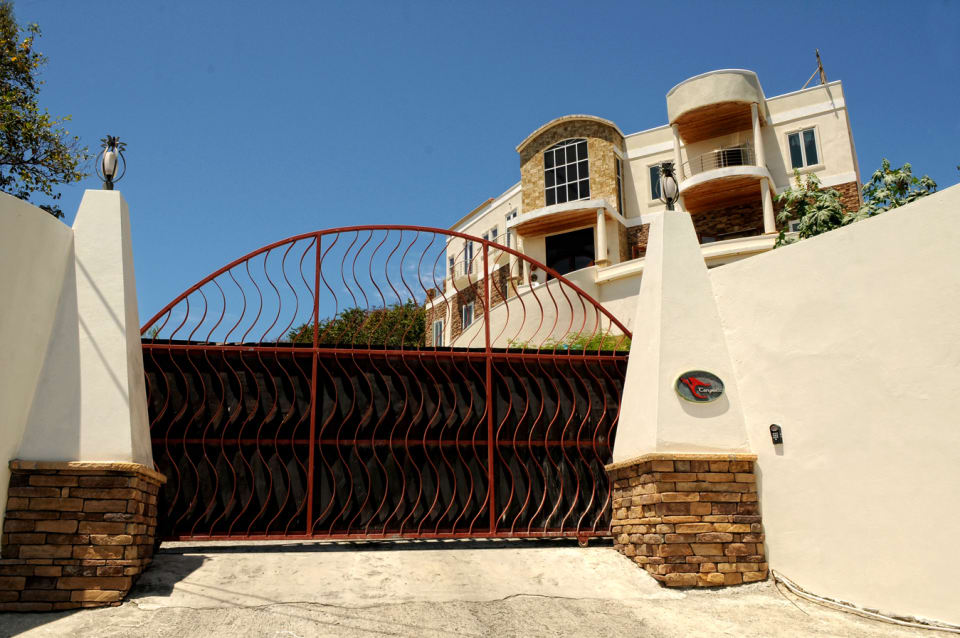 Fully Fenced and Gated premises