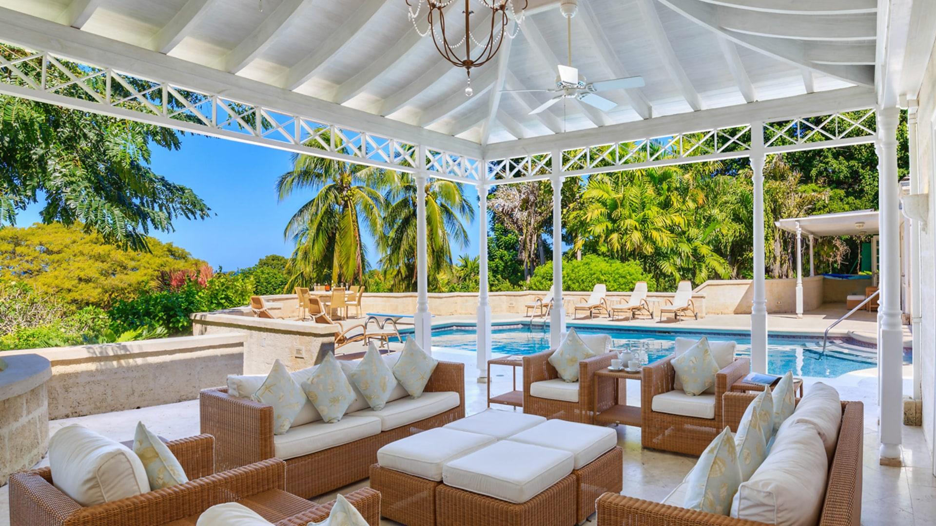 Poolside sitting room
