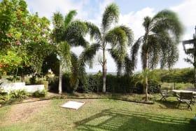 Large garden for entertaining