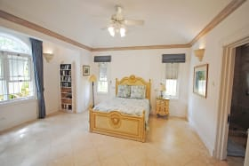 Bedroom suite with separate entrance on ground floor