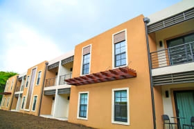 Lemongrass - 2 Bed top floor units