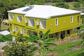 Lemon Lime  Apartment 1C