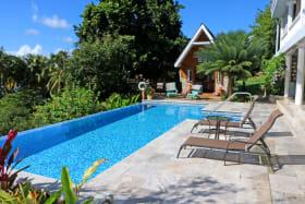 Los Cocos Garden