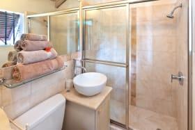 Second bathroom in Apartment 3