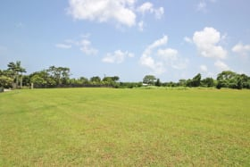 Expansive lot in a fantastic development