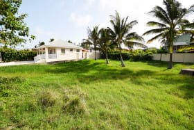 Sizeable residential lot