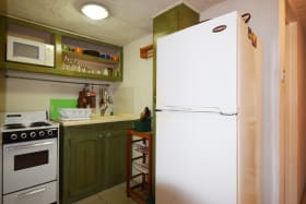 Ground floor 1 bed apartment kitchen