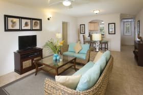 Beach View classic 3 bedroom living dining