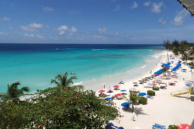 Harmony Hall Green - Walking distance to the Dover Beach