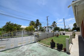 Entrance within walking distance to Miami Beach