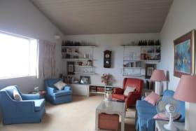Spacious Living room - High Ceilings
