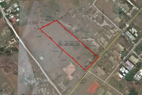 Excellent location with Highway frontage
