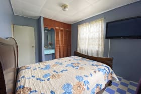 Guest bedroom with air conditioning