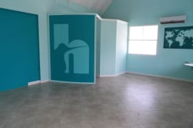 Open plan space (AC not included)