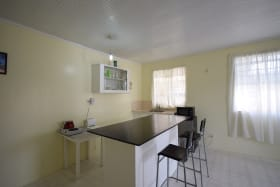 Kitchenette and dining breakfast table