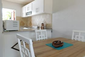 Open plan kitchen to dining