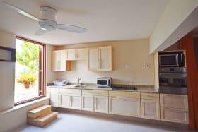 Attractive open plan kitchen