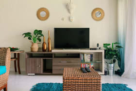 Large TV, internet and Cable availalbe