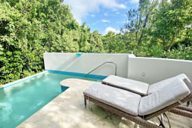 Invisible edge private pool and sundeck
