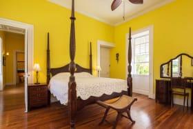 En suite guest bedroom
