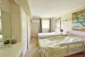 Ground floor 3 bed Apt - 2nd guest bedroom