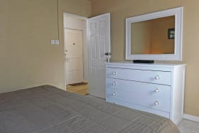 Additional drawer set and built in cupboards