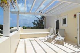 Additional lounge deck