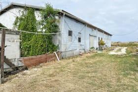 Exterior of Kirtons Farm Warehouose