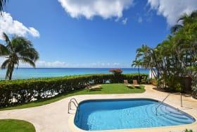Pool and Sea Views!