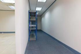 Connection hallway (Office space can be divided)