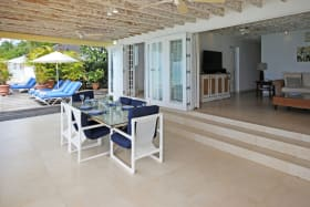 Dining terrace and sun deck of Easy Reach