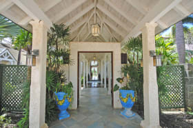 Impressive entrance through garden atrium to main house