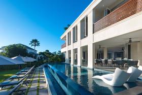 Stunning infinity edge pool
