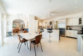 Modern Kitchen and Breakfast Table