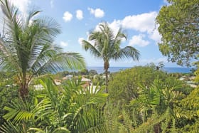 Stunning location, panoramic sea views, set on a west coast ridge within a short walk to the beach!
