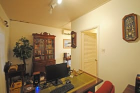 Office or 5th bedroom with ensuite bathroom