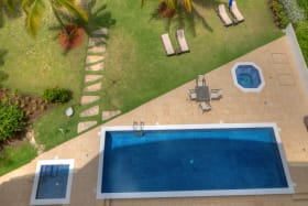 Communal pool and jacuzzi