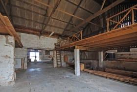 Mezzanine at entrance