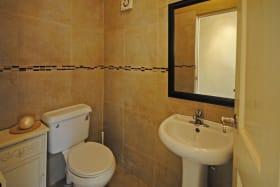 Guest bathroom on ground floor