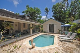 Covered veranda swimming pool and cottage