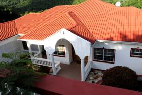 White Rose Top Apartment