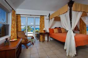 Ocean - Queen Bedroom