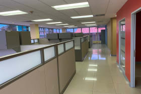 1st floor comes with cubicles