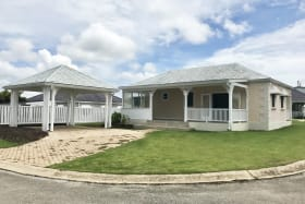 Attractive 3 bedroom home with car port