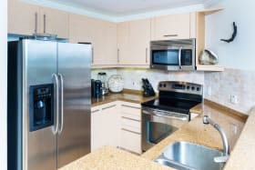 Modern Italian Kitchen with granite countertops