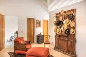 Master suite dressing area